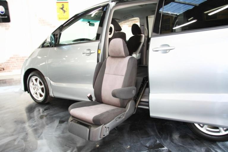 2006 Toyota Estima -