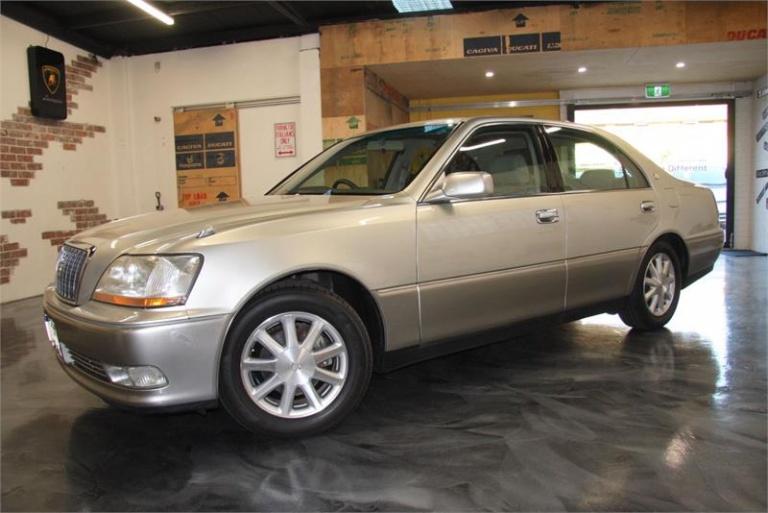 2000 Toyota Crown -