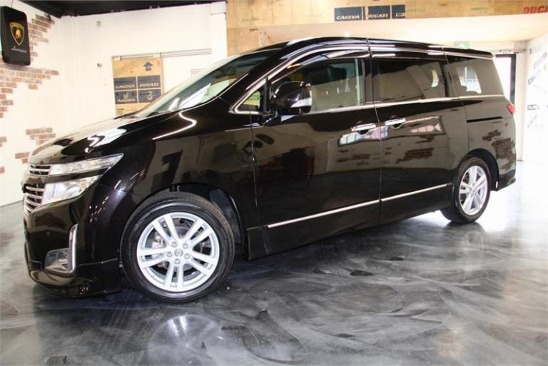 2010 Nissan Elgrand -