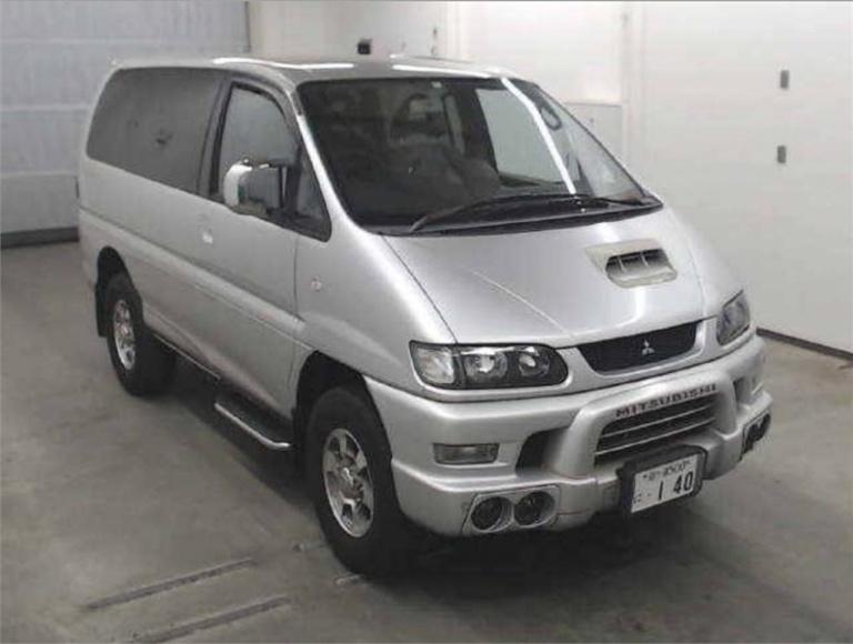2002 Mitsubishi Delica -