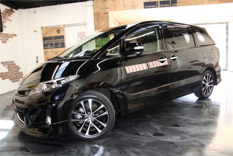 2014 Toyota Estima -