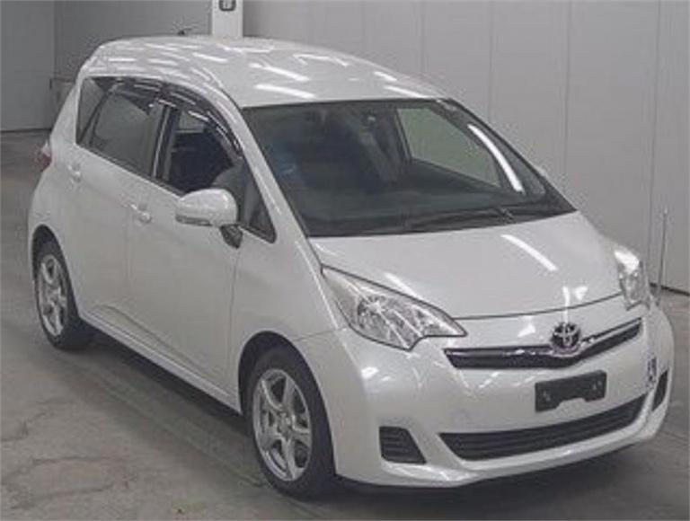 2013 Toyota Ractis -