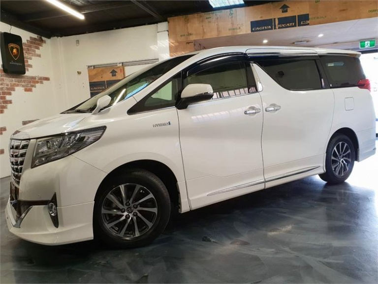 2016 Toyota Alphard -