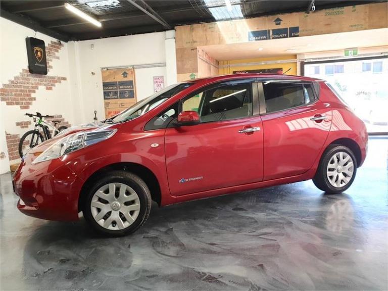2013 Nissan LEAF -