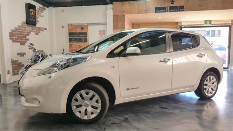 2014 Nissan LEAF -